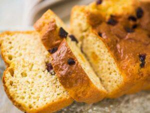 Pão low carb com frutas secas