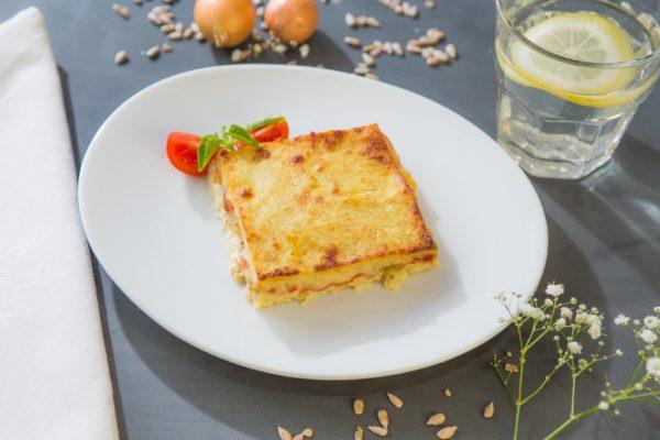 Torta de couve flor recheada com tomate e mussarela