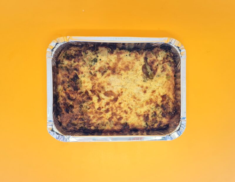 torta de couve-flor recheada com brócolis e queijo gruyere