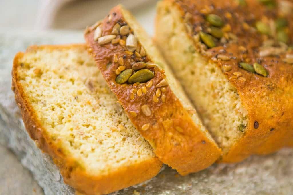 Pão low carb com sementes