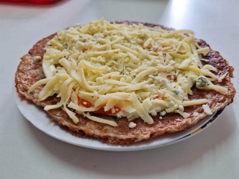 pizza-low-carb-de-4-queijos