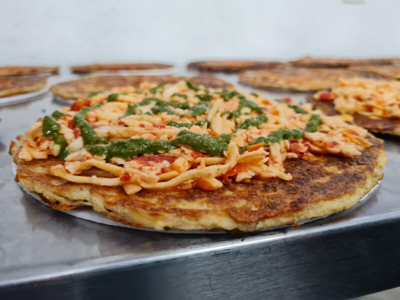 pizza-low-carb-de-tomate-seco-mucarela-de-bufala-e-pesto