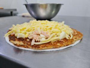 pizza low carb de portuguesa