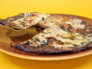 pizza low carb de tomate seco