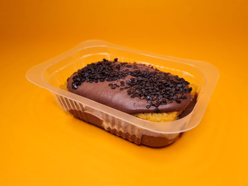 bolo low carb no pote cenoura com mousse de chocolate