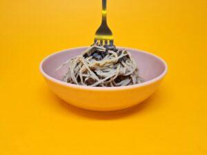 espaguete de pupunha com molho de funghi seco